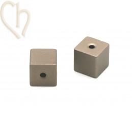 Aluminium anodized cube bead 8mm Brons