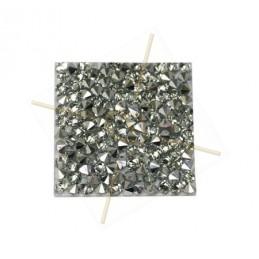 Rocks vierkant 15mm CAL