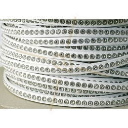 plat leder wit 5mm met strass